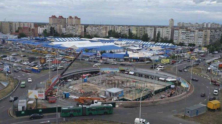 ВКиеве противники возведения ТРЦ перекрыли проспект Героев Днепра