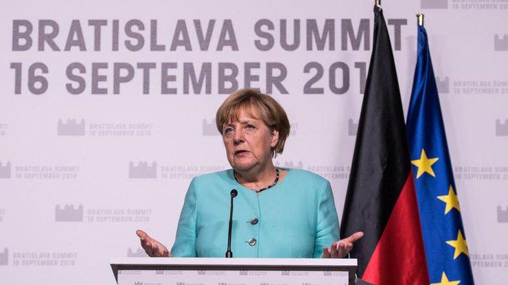 Меркель признала собственный девиз'пустой формулой