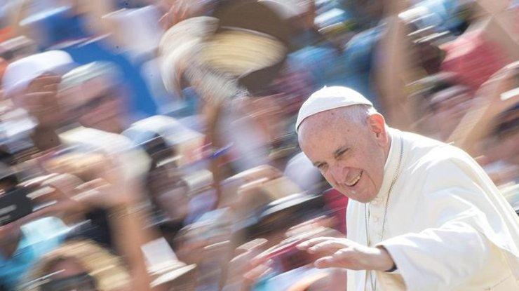 Папа римский Франциск выступает задипломатическое решение карабахского конфликта