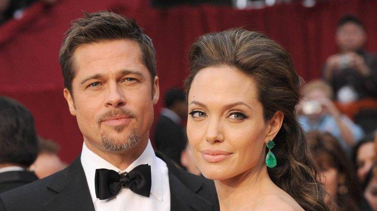 Джоли иПитт разводятся из-за политических планов актрисы