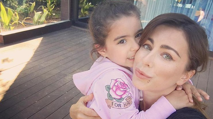 Ани Лорак показала, как дочь поздравила еесднем рождения