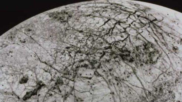 Наспутнике Юпитера найдены извергающиеся гейзеры