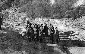 Корреспонденты советских и американских газет в Бабьем Яру
