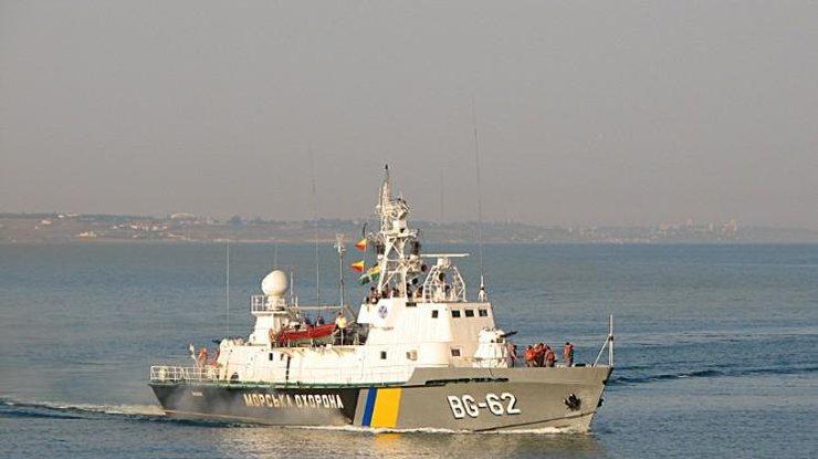 Украинские таможенники обвинили кораблиЧФ РФ в«опасных маневрах»