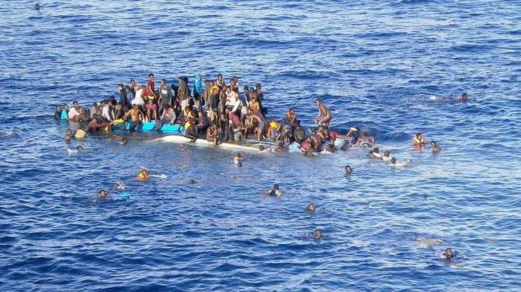 Неменее 100 мигрантов стали жертвами кораблекрушения близ Ливии