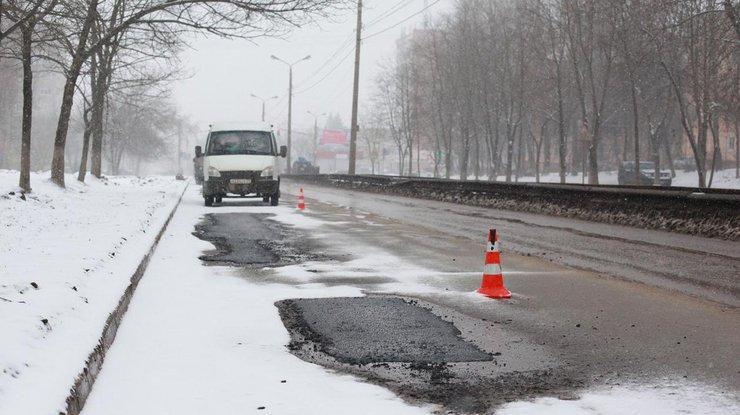 В10 областях государства Украины зафиксирован критический уровень аварийности на трассах [карта]