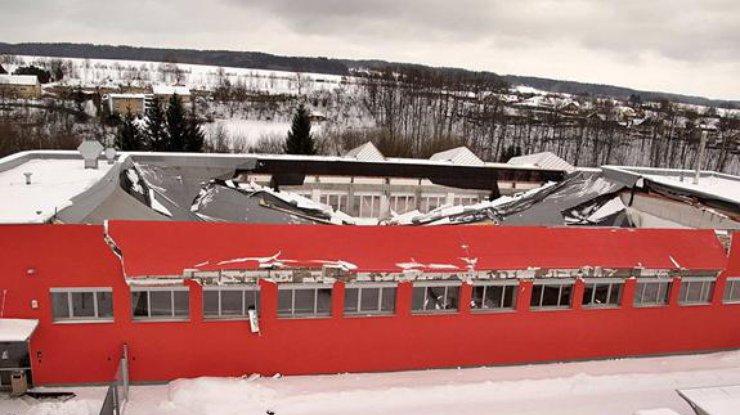 ВЧехии крыша спортзала обрушилась впроцессе матча пофлорболу