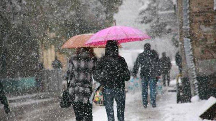 Украинцам обещают вначале рабочей недели небольшой мороз иснег