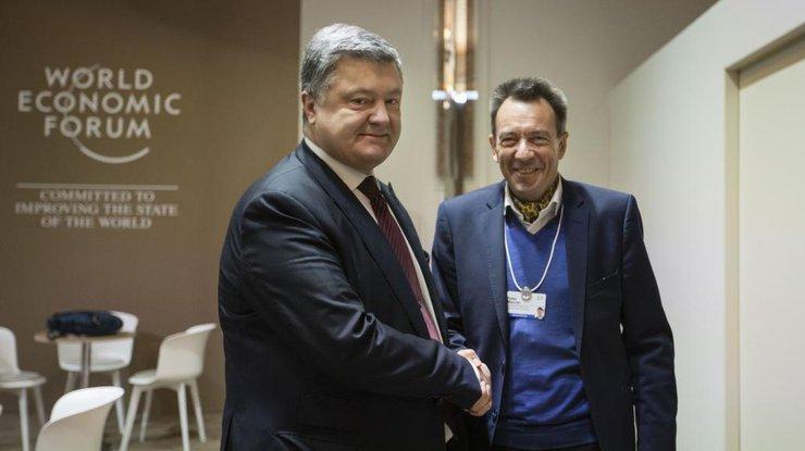 Порошенко призвал МККК защищать права украинцев воккупированном Крыму