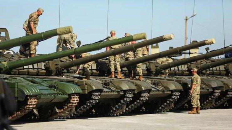 Граждан юга Украины попросили не беспокоиться из-за появления военной техники на трассах