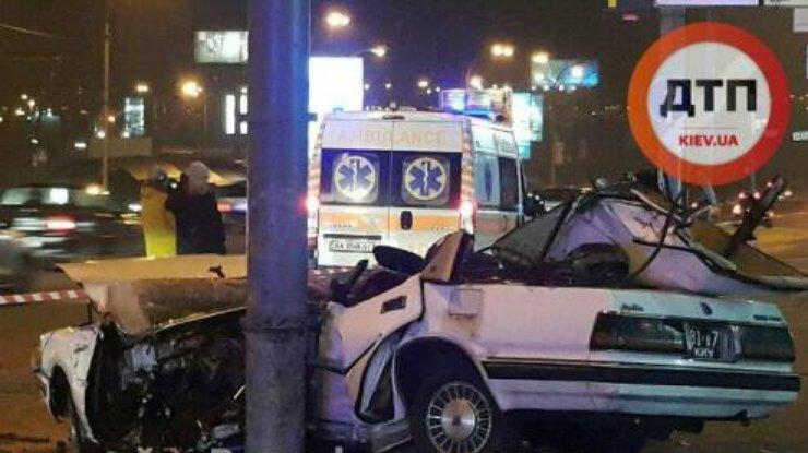 ДТП вКиеве: один человек погиб, водитель втяжелом состоянии