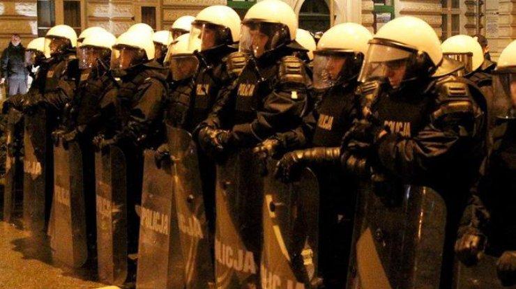 Впольском городе после убийства местного жителя начались массовые беспорядки