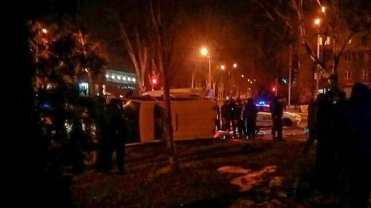 ДТП 3-х  «Ниссанов» около  цирка попало навидео