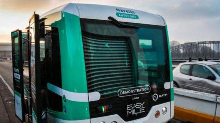 На дорогах Парижа появились беспилотные электроавтобусы