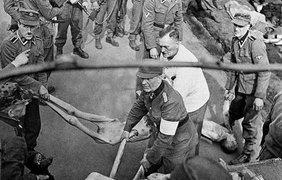 До 13 сентября 1942 года были депортированы или погибли в гетто 300 тыс. евреев Варшавы