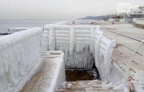 Фотограф показал впечатляющие снимки замерзшего моря