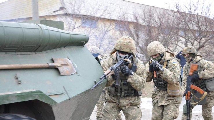 Наюге Украины военные проводят масштабные учения