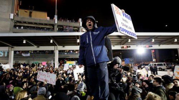 Суд США отменил действие указа Трампа омигрантах измусульманских стран