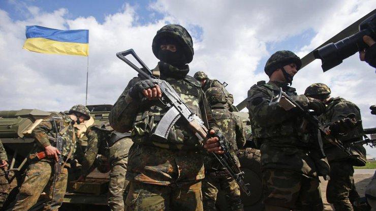 Двое украинских силовиков погибли из-за небрежного обращения соружием