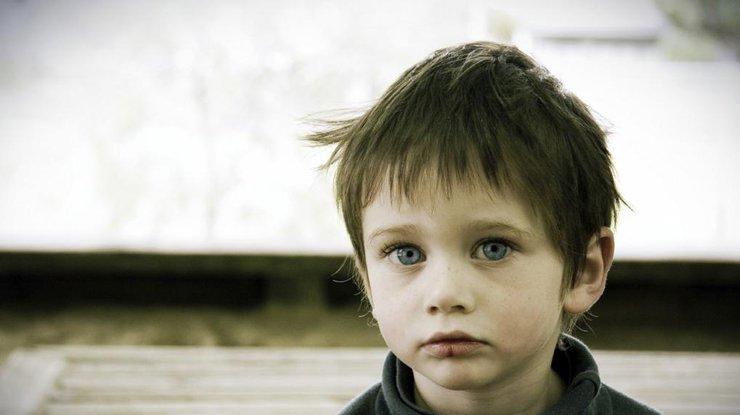 ВУкраинском государстве двухлетний сын выстрелил себе вглаз