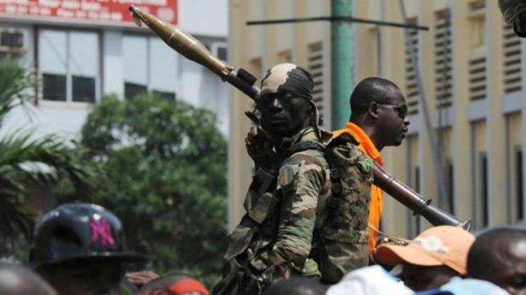 Группа бывших военных захватила город вКот-д'Ивуаре
