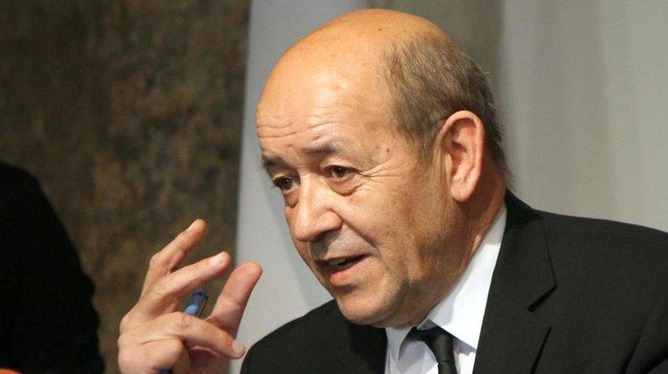 Франция будет усиливать защиту откибератак