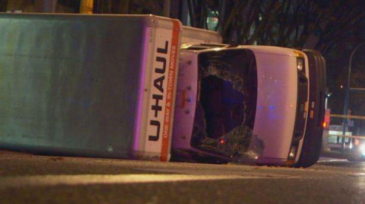 ВКанаде неизвестный убил полицейского иранил 4 человек