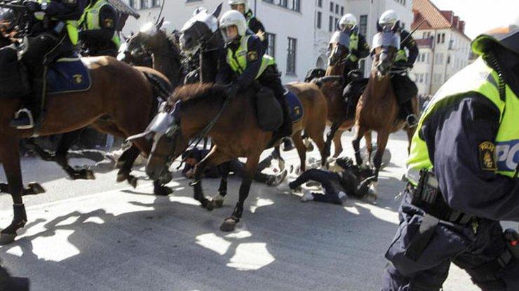 Десятки задержаны впроцессе  столкновений снеонацистами вГетеборге