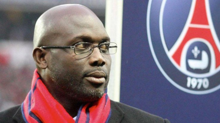 Впервые экс-футболист принял участие в выборах президента своей страны в 2005 году