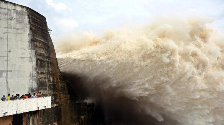 На Китай надвигается мощный тропический шторм