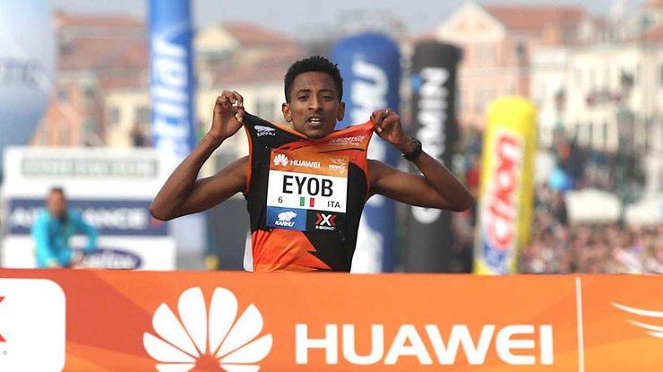 Итальянец Фаниэль одержал победу марафон, так как лидеры побежали поневерному маршруту