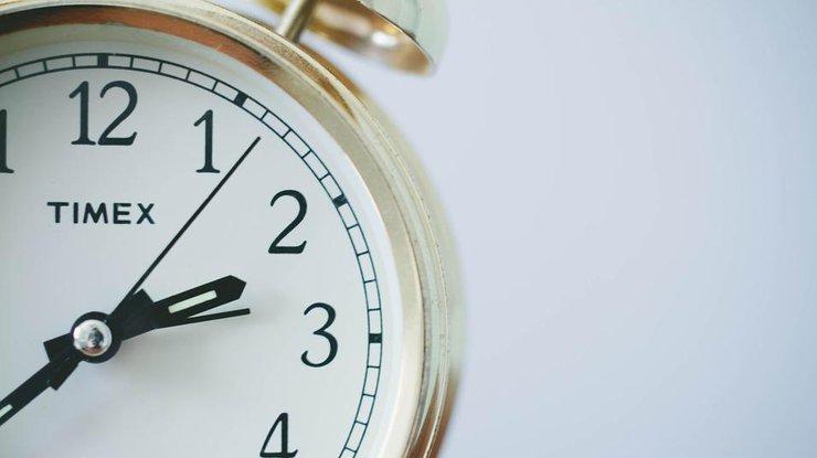 «Ваше мнение»: Что думают краматорчане опереводе часов на зимний период?
