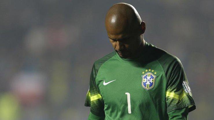 Наголкипера сборной Бразилии напали спистолетом иотобрали машину