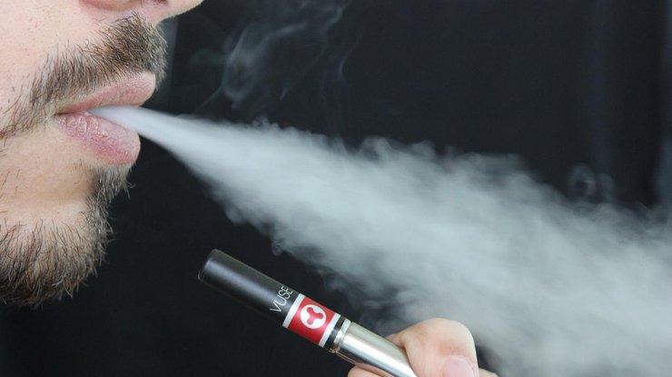 Ученые: электронные сигареты вызывают патологические реакции влегких