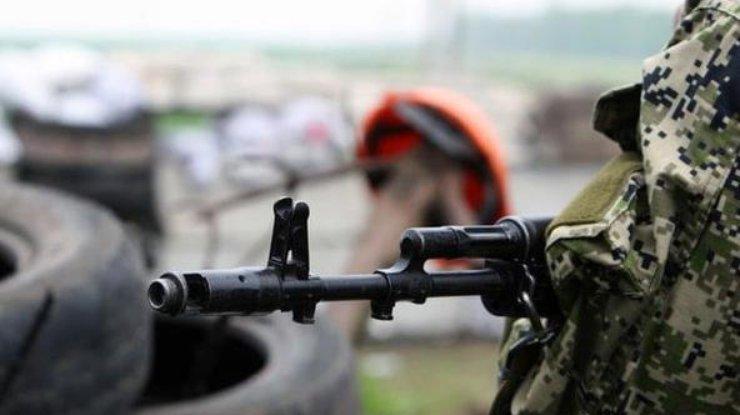 Штаб: Боевики семь раз обстреляли позиции сил АТО, двое украинских военных ранены