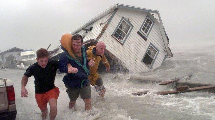 Съезд  США выделит $29 млрд наликвидацию последствий ураганов