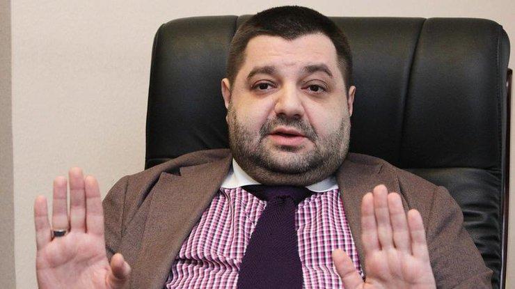 Под Кабмином угнали автомобиль сдокументами народного депутата Грановского