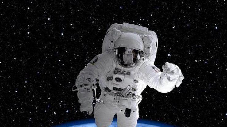 Астронавт NASA развернул украинский флаг наМКС