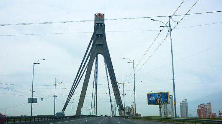 Настоличных мостах ограничат движение транспорта