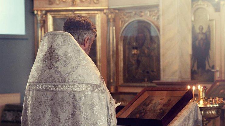 Священника пытались зарубить мечом вколонии вНовосибирской области