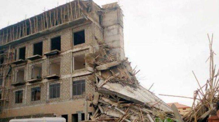ВМексике жилые дома провалились встроительный котлован