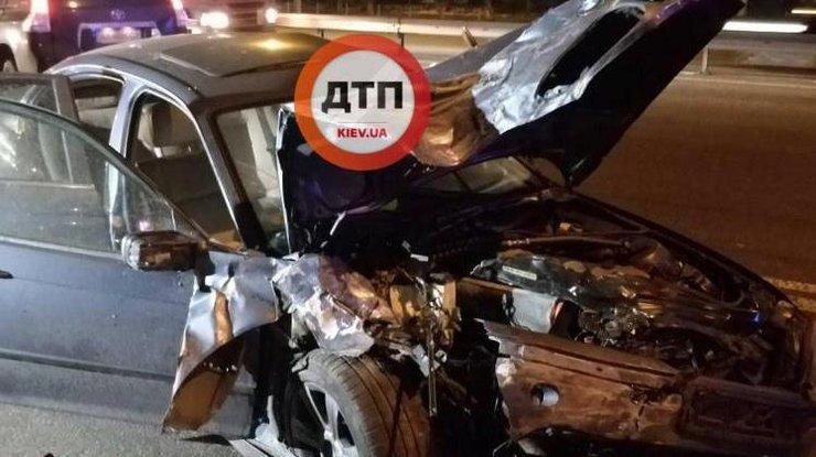 ВКиеве нетрезвый шофёр фуры протаранил эвакуатор итакси