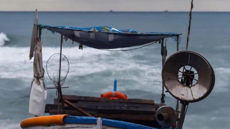 Восемь беглецов изКНДР приплыли вЯпонию надеревянной лодке