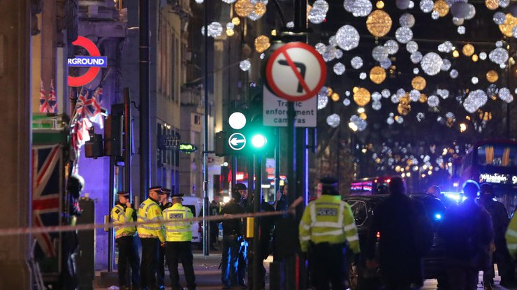 Вдавке после инцидента вметро встолице Англии пострадали 16 человек