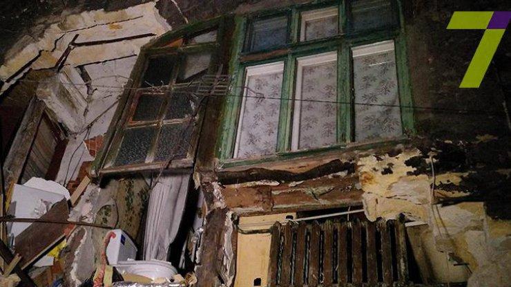 ВОдессе обрушилась часть двухэтажного жилого дома