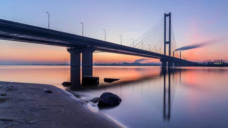 Осторожно пробки: вКиеве ограничат движение транспорта на 2-х мостах