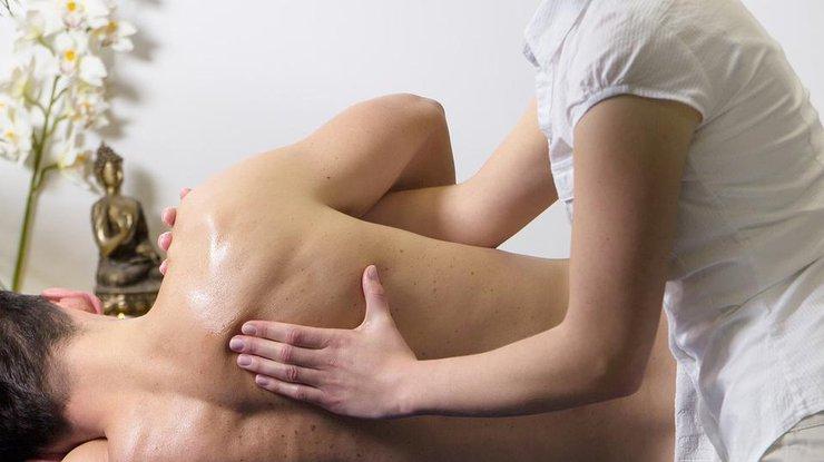 ВДнепре мужчина изнасиловал иограбил девушку после сеанса массажа