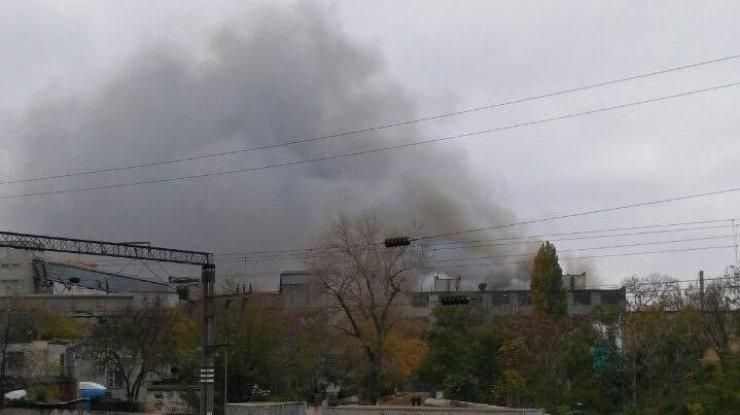 Масштабный пожар накондитерской фабрике вОдессе засняли свысоты