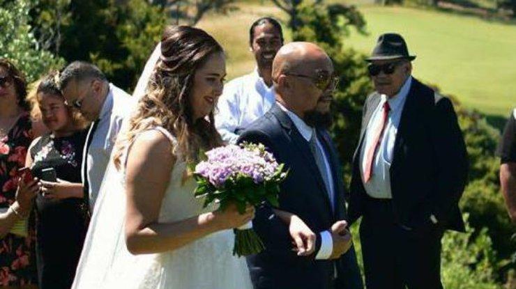 Невеста занимается сексом на свадьбе