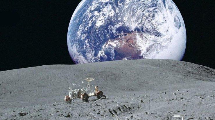 Захарова посмеялась над решением США восстановить лунную программу